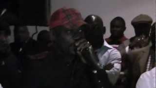 Meiway et les Camerounais rendent hommage au Dr Théophile Abega à Noisy-Le-Sec