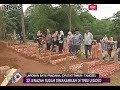 Download Video Pemakaman Korban Kecelakaan Tanjakan Emen Dibagi 2 Blok - iNews Sore 11/02 3GP MP4 FLV