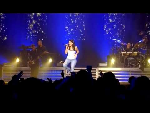 Laura Pausini Incancellabile Live in Paris 05