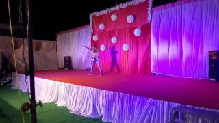 First Dance video aakh mare o ladki aankh mare
