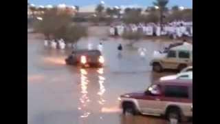 شجاعة شباب حايل-عملية انقاذ شابين من الغرق في حائل