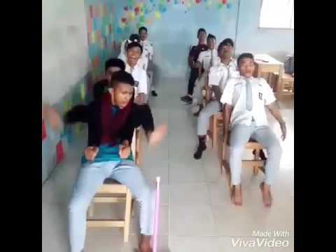 Video kocak anak SMA menirukan supir bus yang ugal-ugalan!!!