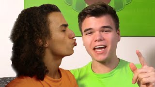 KISSING JELLY! (Q&A KWEBBELKOP)