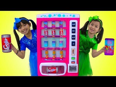 Xxx Mp4 Emma Amp Jannie Pretend Play W Pink Vending Machine Soda Kids Toys 3gp Sex