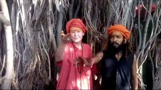 Foreigner Girls Becomes The Follower of Hindu Naga Sadhu While Her Visit in India