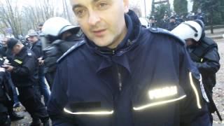 ABSURD! Policja zarzuca przeklinanie na meczu. POLICJANT: Ja nie pytam czy pan przeklinał...