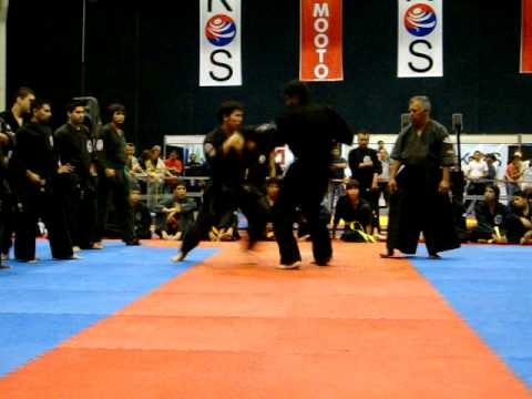 pelea de cintas negras de exibicion