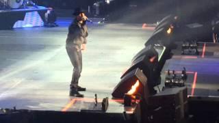 Wisin presenta a Vico-C en su concierto PR..