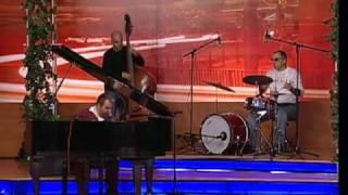 Hovo Show Jazz Trio