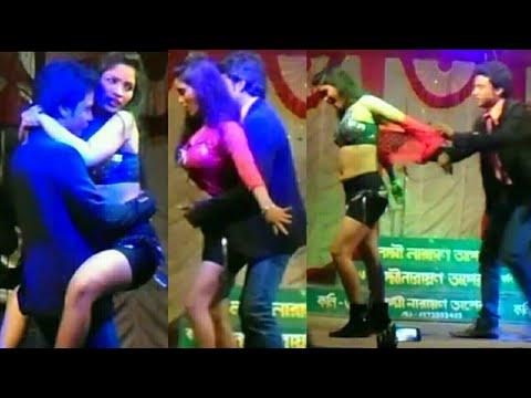 Xxx Mp4 Hot And Sexy Bhojpuri Arkestra Recording Dance 2018 सटवले रही मोहब्बत के फेविकोल से 3gp Sex