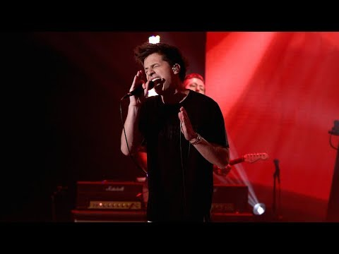 Charlie Puth Performs 'How Long' mp3
