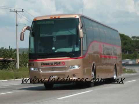 Autobuses en Autopista San Juan del Rio a Queretaro. Carlos Arciniega 10 28 Sr cura