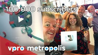 Unboxing the Silver Play Button with VPRO Metropolis - 100.000 subscribers.