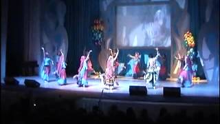 Amrapali Leena Goel Tver(Russia) GARBA -Gujarathi folk dance Holi mela 2010 Moscow