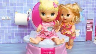 Baby Alive Oyuncak Bebek tuvalette | Evcilik TV Bebek Videoları