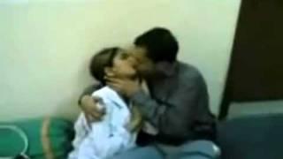 Pakistani kiss lahore univetrsity.flv