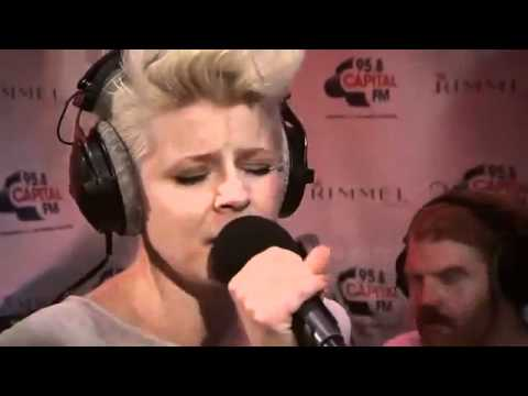 Robyn - Dancing On My Own (live At The Rimmel Room) Mp3