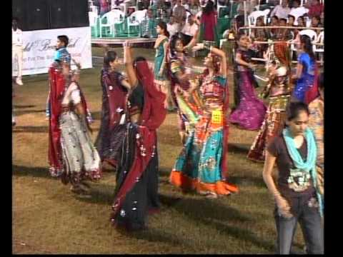 Gujarati Garba Song Navratri Live 2011 Lions Club Kalol Jignesh Kaviraj Day 3 Part 13