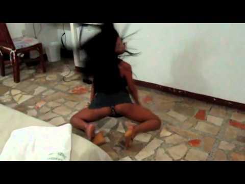 mamasita desacata asiendo um estripel con el dembow pilonea de gregorio urbano