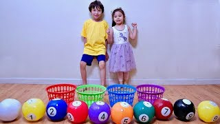 Learn Colors with Colored Inflatable Toy Ball for Children and Toddler