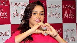 Shraddha Kapoor Says She Wants To Kiss Hrithik Roshan!