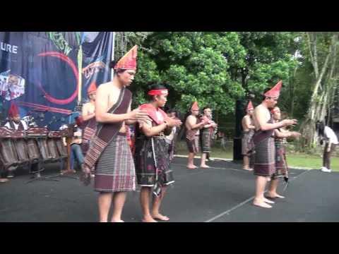 Download Lagu Tarian Etnis Batak Toba at PSBII UKSW 2014 versi BTSI MP3