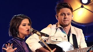 """Niall Horan Performs """"Seeing Blind"""" at 2017 CMAs & Signs MODELING Contract"""