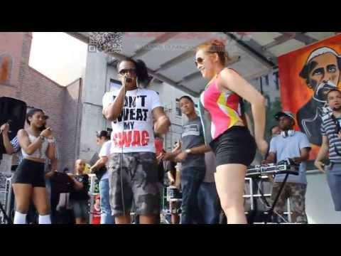 Mujeres Meneando La Chapa Con Wilo D New Festival Del Boulevard En Usa