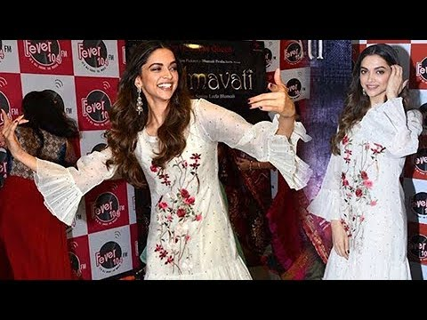 Xxx Mp4 Deepika Padukone Promotes GHOOMAR Song PADMAVATI At Fever 104 FM BOLLYWOOD NOW 3gp Sex