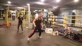 Boks Antrenman Sonu Keyifli Dans Refleks Güç Kondisyon Çalışması.! 3 Kg Sağlık Topuyla Yakantop