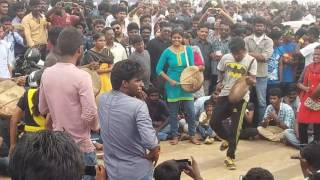 Jallikattu protest chennai lady dance