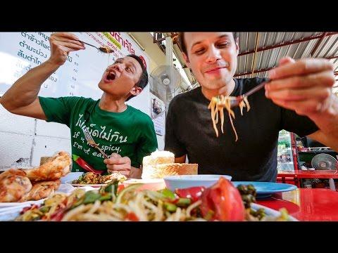 Thai Street Food in Bangkok with The Food Ranger AUTHENTIC Local Tour กินอาหารไทย4ภาคในหนึ่งวัน