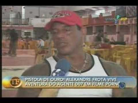 Frota no TV Fama falando sobre o pornô 00Frota pela Sexxxy