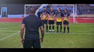 freekickerz vs Roberto Carlos ⚽ Free Kick Shootout