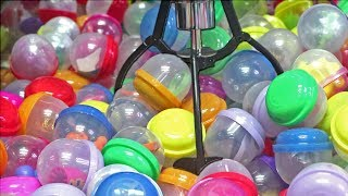 Vending Machine Capsule Claw Machine WIN!
