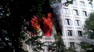 Heavy fire in Paris/Violent incendie d'appartement, Paris 15e, 98 rue de la Convention, 29 juin 2011