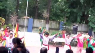 A group dance of Madnawati Public School , Sambalpur , Odisha.