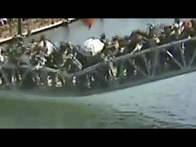 China bridge collapse caught on camera - no comment