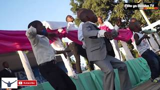 Mwimbaji wa Injili Mtoto YOHANA akiimba kwenye mkutano wa INJILI ;MALAPA, DAR