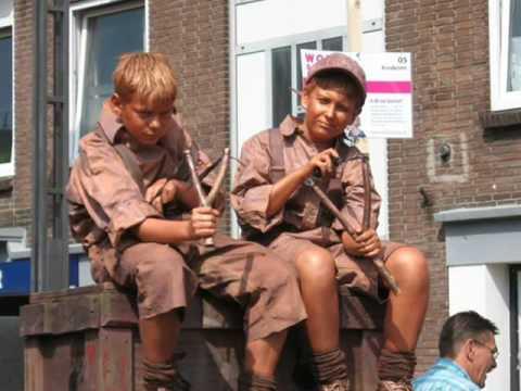Xxx Mp4 Kids Statues 2007 Arnhem Pietje Bel En Sproet 3gp Sex