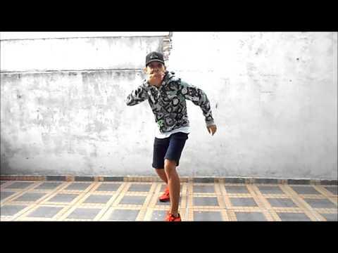 Xxx Mp4 MC Dadinho Lança O Passinho Do Romano Fezinho Patatyy DJ Dn De Caxias 3gp Sex