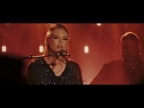 Freya Ridings - Signals (Live At Omeara)
