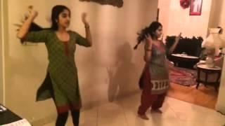 Nagada Sang Dhol Dance Steps