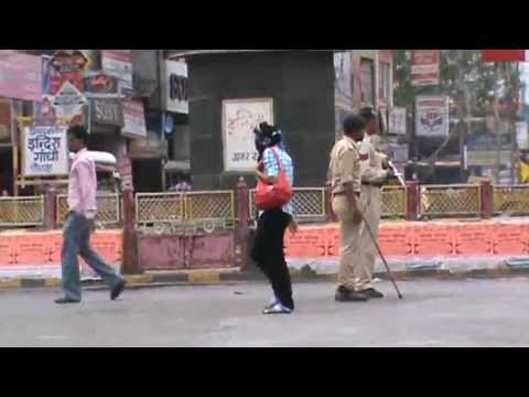 MAANSINGH H C  POLICE 2 GIRL MOUTH PAR CLOTH 11 6 2013 TUE , 5 23 26  PM 11 S M2U02157