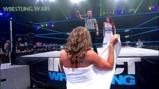 WWE Girls show Her Boobs