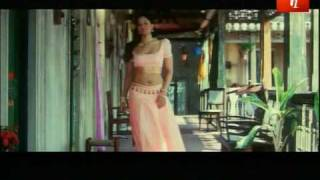 sameera Reddy's Hot Introduction Scene