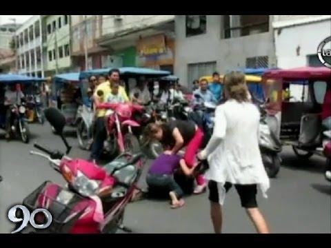 Iquitos Mujeres se pelean en la calle por el amor de un notario