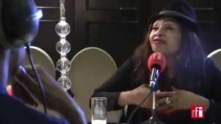 Mbilia Bel se confie à Claudy Siar - Couleurs tropicales