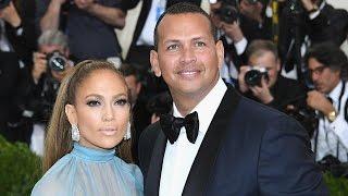 Jennifer Lopez Flaunts Her Curves While Vacationing With Boyfriend Alex Rodriguez