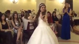 عروس ترقص على شيلة